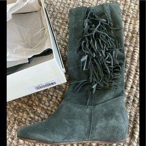 NIB Sundance Catalog Ludovica fringe boots
